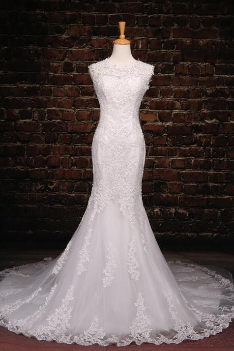 2016 Wedding Dresses Scoop Sleeveless Mermaid Lace Wedding Dresses White Wedding Gown Illusion Chapel Train Bridal Dresses Sexy Bride Gown